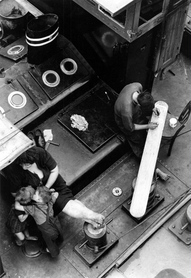 "Paris, form the series ""Gianni Berengo Gardin. Parigi 1954""  |  © Gianni Berengo Gardin"