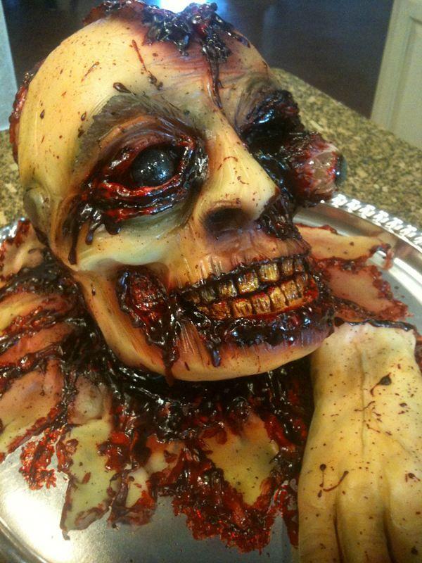 Scary Halloween cakes bloody skull