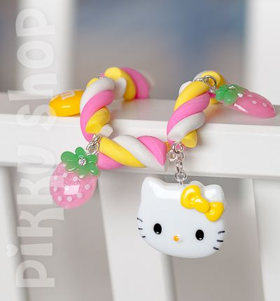 Marshmallow Cuteness Bracelet from Pikku Shop | www.pikku-shop.com | #Hello Kitty, strawberry