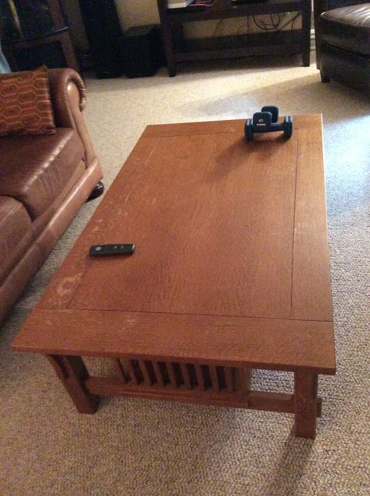 Coffee table, solid, can be refinished