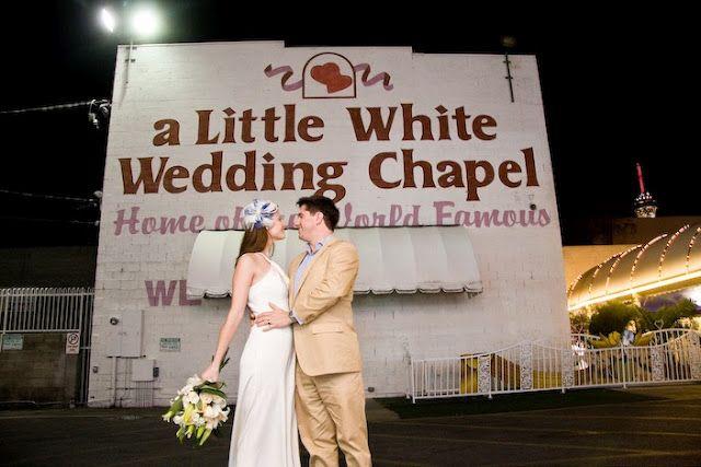 Little white wedding chapel las vegas bride groom for Little las vegas