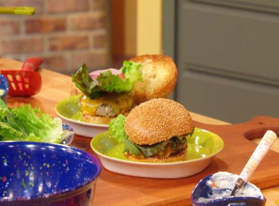 Broccoli and Cheese Turkey Burgers | food. | Pinterest | Broccoli And ...