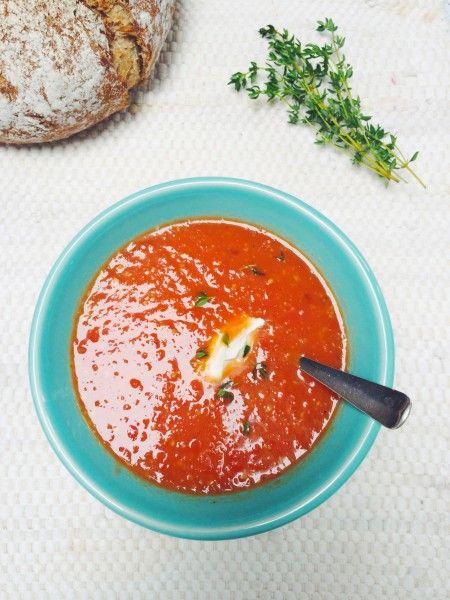 Dat zelf tomatensoep maken niet moeilijk en tijdrovend hoeft te zijn bewijst dit recept wel weer. Eigenlijk is het zelfs heel eenvoudig. Heerlijk met een...
