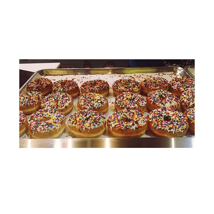 Donuts from Cake Shack makes the world go rounddddd ! #donuts #toronto #cakeshack #food #foodie #sweets #desserts