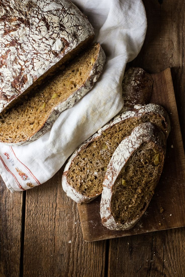 A Country Loaf: Steel Cut Oats, Apple, & Molasses | Engrained