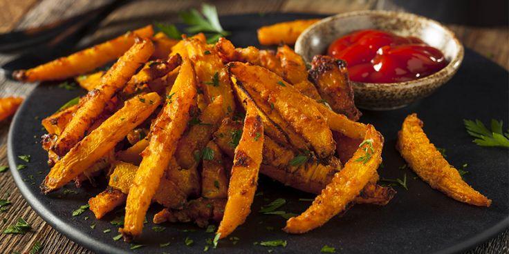 Zet de oven maar vast aan, want deze frietjes maak je in een handomdraai klaar!