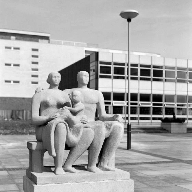 Henry Moore, Harlow town centre