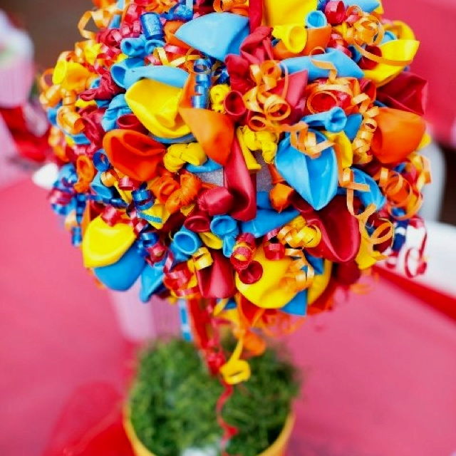 Balloon topiary primary colors great for carnival or rainbow party