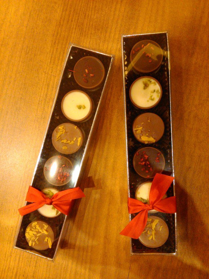 Cups de exquisito chocolate en estuche