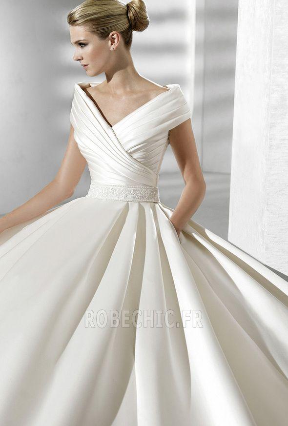 Robe+de+mariée+Fourreau+plissé+Eglise+Satin+Avec+voile+Manche+Courte