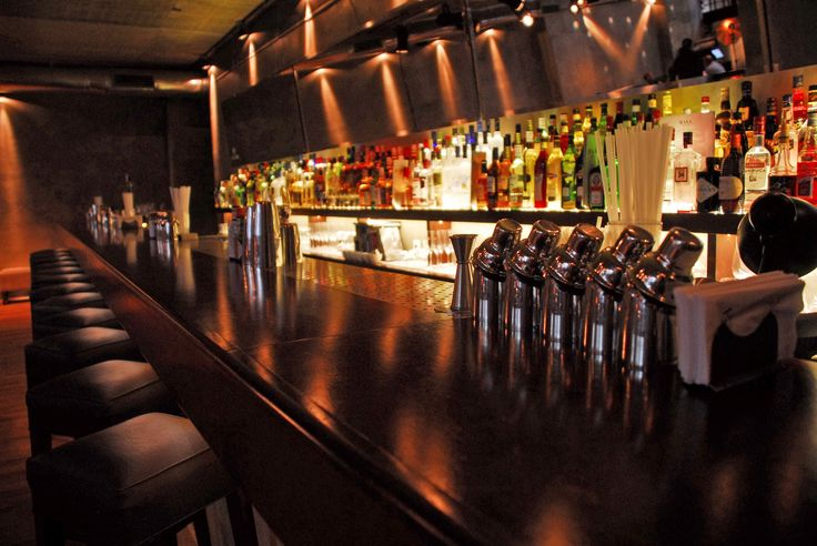 Oiga, Doña Laura! sale de bares y te deja una reseña de las mejores barras de Capital Federal. Capitulo V: Basa.