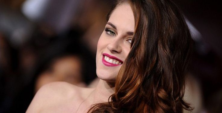 Kristen Stewart of the 'Twilight' fame can still stir-up the media even after her last movie came out. Read the latest about her    http://www.thebitbag.com/kristen-stewart-latest-news-actress-to-meet-with-ex-robert-pattinson-does-mini-twilight-reunion-and-embraces-sexuality-but-not-social-media/115129