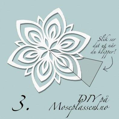 Snowflake clip in paper
