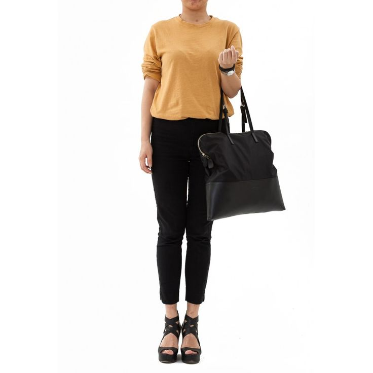 *****TOP SELLER AND FREE SHIPPING*****  Jessie & Jane Women's Top-Handle Bag.  - Patchwork Chic Nylon & Leather Tote.   - Rich internal structures with central zip.   - Light in weight and spacious.   - Zipper pocket, phone pocket.   - Available in black color.  https://jessiejaneaustralia.com.au/totes/16-women-s-top-handle-bag-patchwork-nylon-leather-tote.html