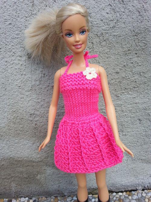 Tmavě růžové šaty pro Barbie