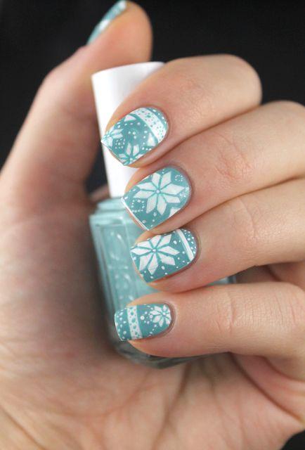 Coco's nails: Nailstorming - Ice queen Et non, ce n'est pas du stamping ;-) Chapeau l'artiste !!
