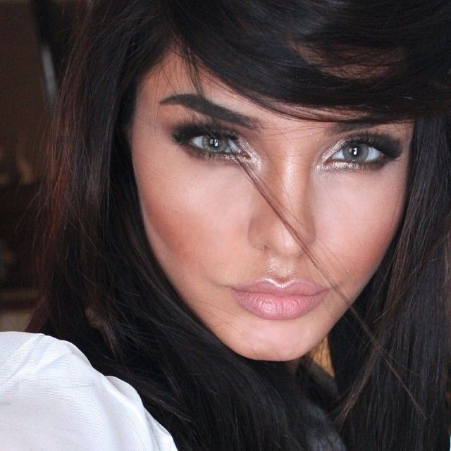 Makeup Caking