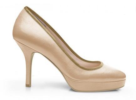 Magnifiques escarpins à plateforme beige nude pour votre marriage. Amazing nude platform pumps for your wedding.