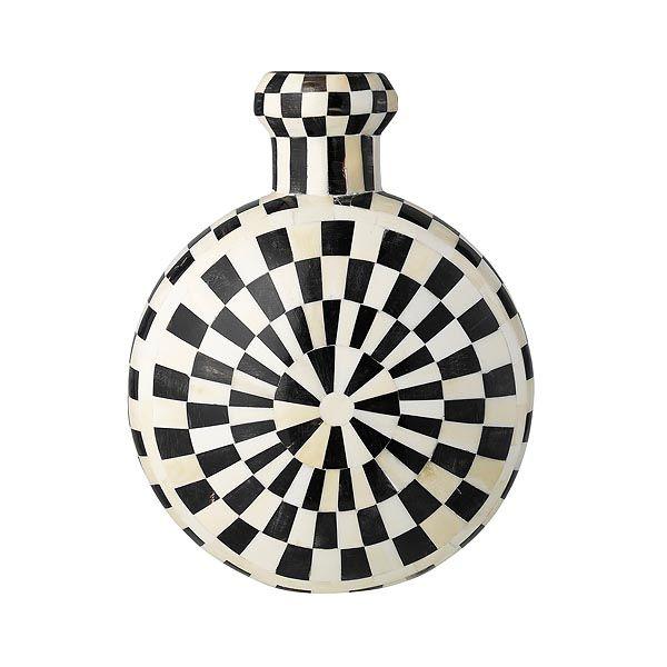 Day Home vase in bone & horn. black&white www.day-home.dk