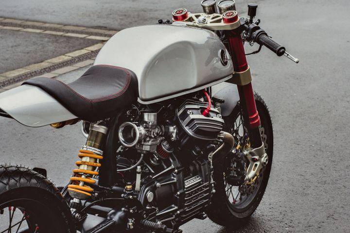 Honda CX500 Cafe Racer by Sacha Lakic Design #motorcycles #caferacer #motos   caferacerpasion.com