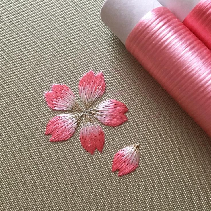 春が待ち遠しいです… #日本刺繍 #japaneseembroidery #刺繍 #embroidery #桜 #cherryblossom