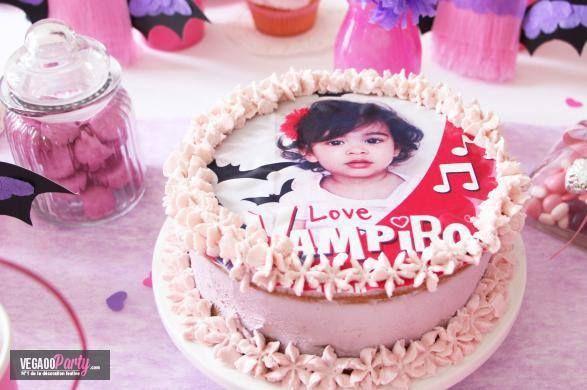 Realizza un magnifico layer cake Vampiro per il compleanno di tua figlia : il nuovo dolce alla moda realizzato a più strati !