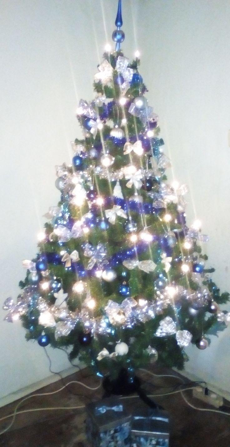 kék-ezüst karácsonyfa