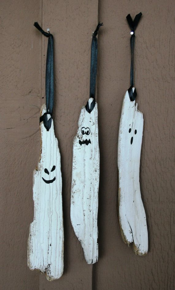 Set of Three Driftwood Ghosts by SusterWoodworks on Etsy, $21.00    Halloween Decor, Halloween Gift Idea