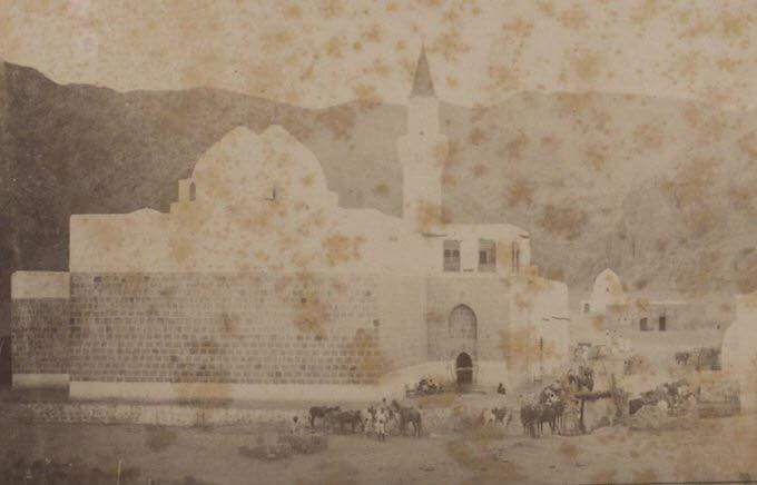 Hz Hamza Nin Turbesi Ve Uhud Dagi Medine 1900 The Tomb Of Hamza Ibn Abdul Mutt Https Www Tarihteninciler Com Hz Hamzanin Turbes Sanat Fotograf Resimler