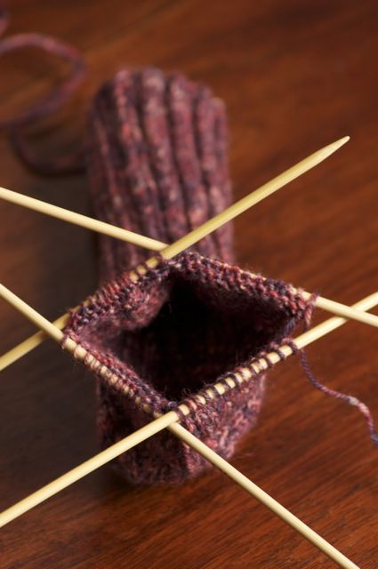 RongyCraft: The sock knitting tutorial: Beginners Socks for Children