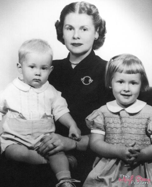 Meryl Streep, her mother, Mary & brother Dana.