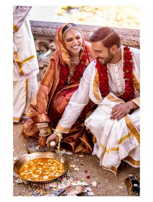 Deepika S Silk Saree Is Nothing Short Of Spectacular And You Will Love Its Intricate Details As Much As We D Bollywood Wedding Deepika Ranveer Deepika Padukone