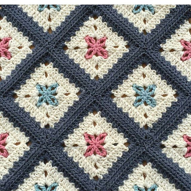 Photo Only. INSTAGRAM. I cannot reach this pattern (sunum sahib) by@alegria73#crochetbabyblanket…I like the color scheme.