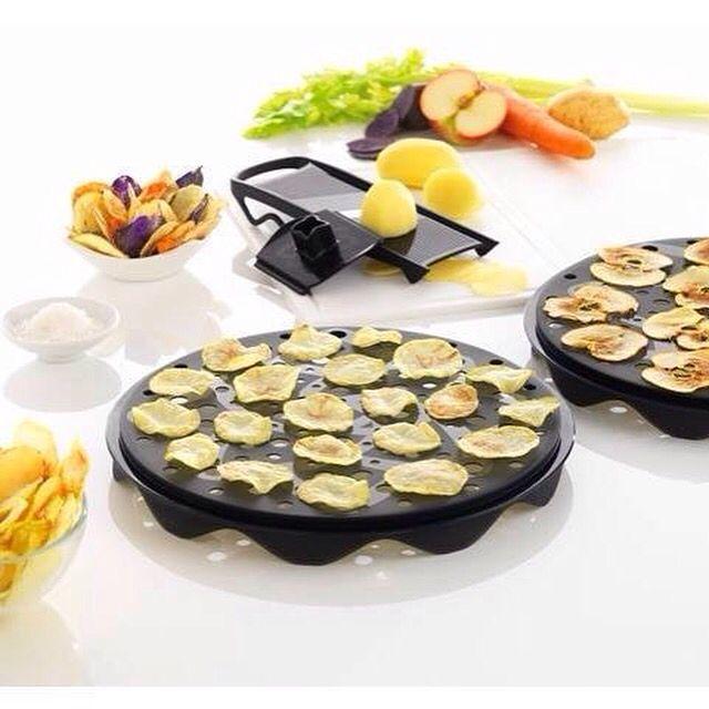 Vuoi preparare #patatine croccanti e con pochi #grassi, in pochi minuti nel forno a #microonde ?!... Grazie al #Cuoci #patatine #Mastrad, pratico e facile da usare, puoi realizzare in soli 4/5 minuti tantissime #ricette. Per realizzare più patatine puoi disporre più #TopChips uno sopra l'altro.  http://www.cucinaincasa.com/novita/cuoci-patatine-mastrad/2015/4905