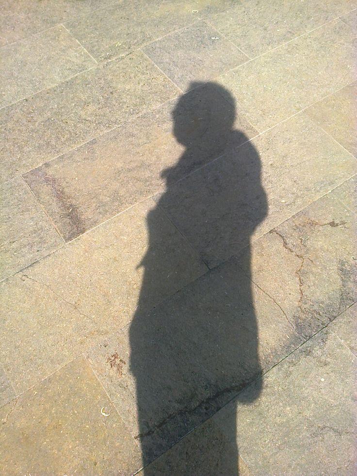 sombra, aveces la única compañía