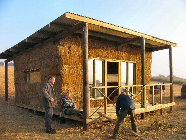 17 best images about straw bale houses on pinterest - Straw bale house ...