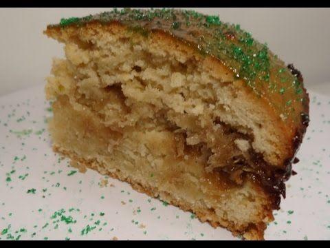 Je vous propose la vidéo de la préparation du gros gâteau d'antan antillais traditionnel fourré à la confiture de coco. Retrouvez la recette aussi sur...