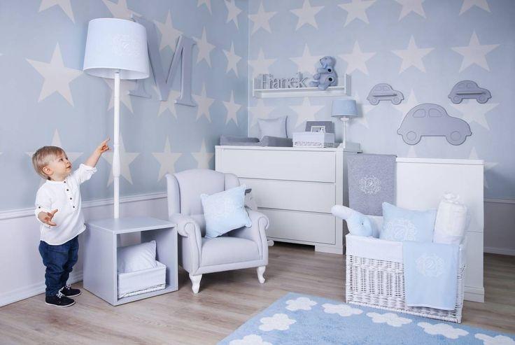Además de este equipamiento básico como la cuna y las cortinas, hay otras cuestiones a tener en cuenta que tienen que ver más con la funcionalidad. Toda la casa, y el cuarto del bebé en especial, debe ser cómodo y seguro por eso es necesario tener en cuenta algunos aspectos..