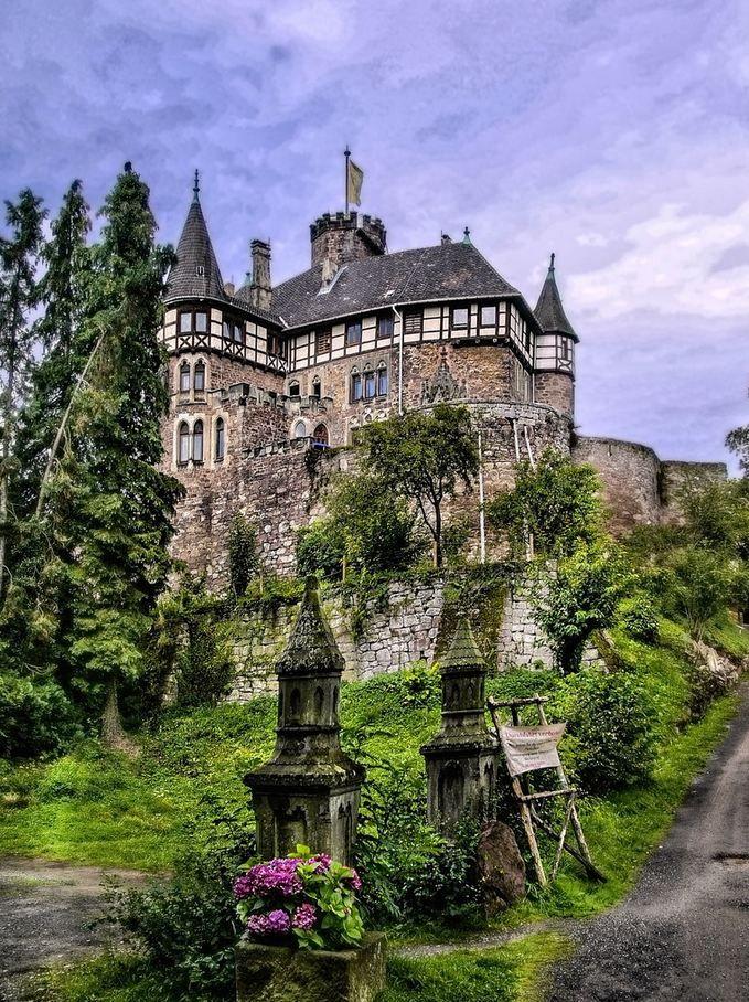 Berlepsch Castle, Hesse / Germany (by Heinrich Pollmeier)