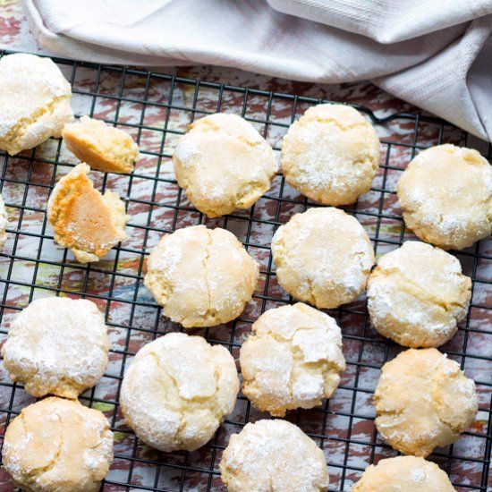 Soft Chewy Amaretti Cookies, are classic Italian almond cookies, made with egg whites, almond meal, sugar, vanilla and Amaretto liquor.
