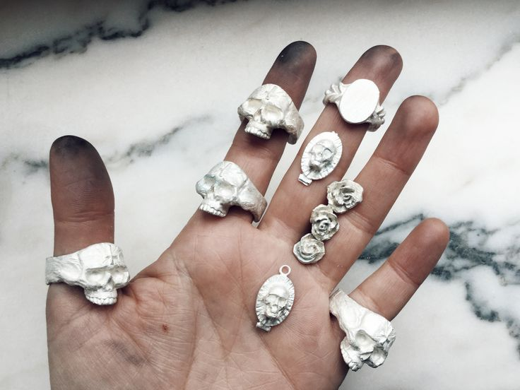 New skull rings and roses