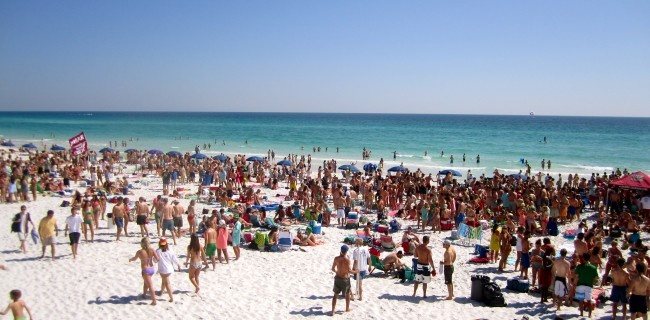 Top Spring Break Destinations for College Students via Dormify