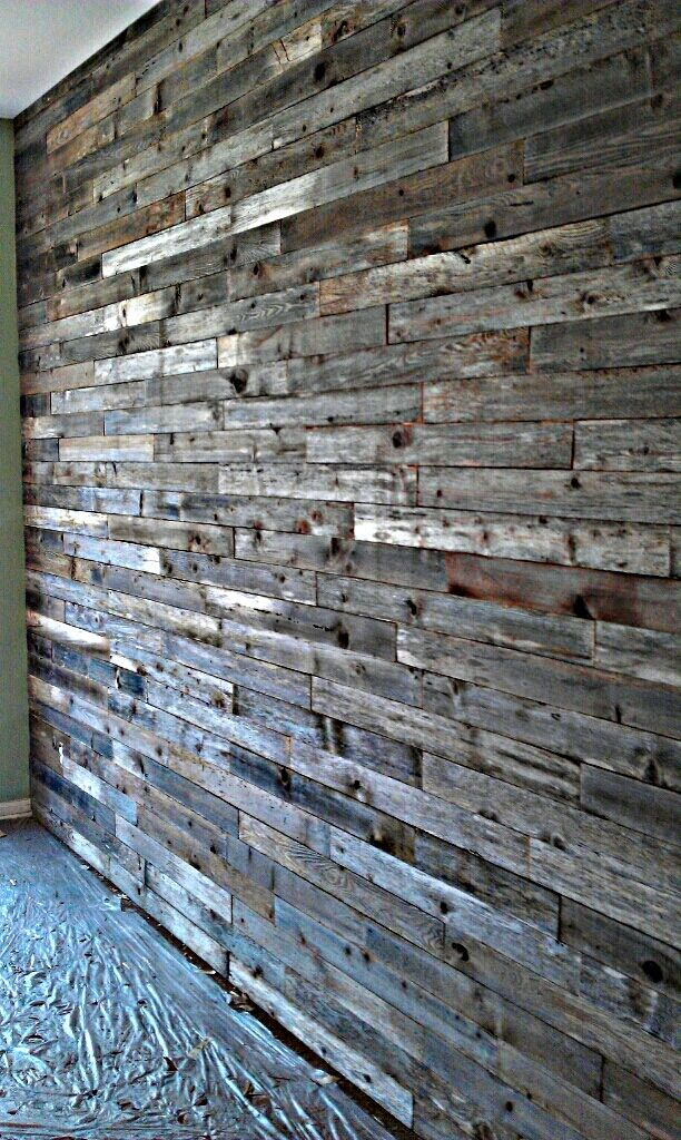 Barn wood walls inside house for Using reclaimed wood on walls