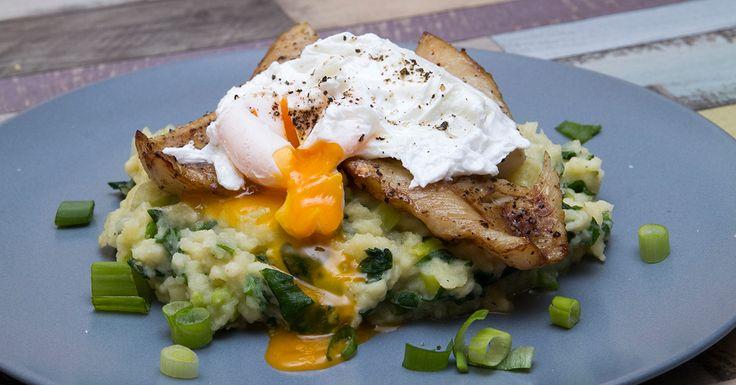 Füstös hal buggyantott tojással - A buggyantott tojás elkészítése, nem a legegyszerűbb konyhai műveletek közé tartozik, de velünk még ez sem lehetetlen. Bízz magadban, megéri, mert kifejezetten finom, ahogy a tojás ráfolyik a folyékony füsttel meglocsolt halra.
