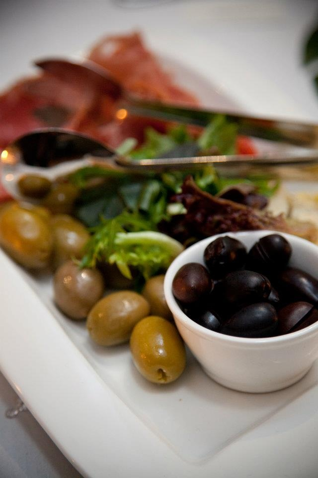 Wedding appetisers - Crowne Plaza Adelaide