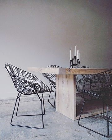 RAKA MOD | CATALOG The Salvaged Oak Collection | Dining Tables | Rustic Modern Dining | Industrial Modern Dining | Bertoia Diamond Chair | Mid Century Modern Dining | Modern Interiors | Minimalist Design | Minimalist Dining Spaces | Black and White Dining Spaces |