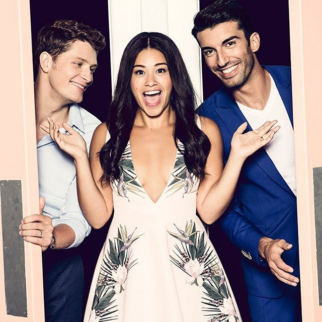 Whose ready for season 3!? It's about to get nuts. Scoop up this weeks @entertainmentweekly for a special @cwjanethevirgin preview. Photo cred: the amazing @miss_ramona