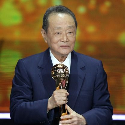 #76: Robert Kuok. Net worth: $12.5 B. Industry: Diversified holdings. Malaysia
