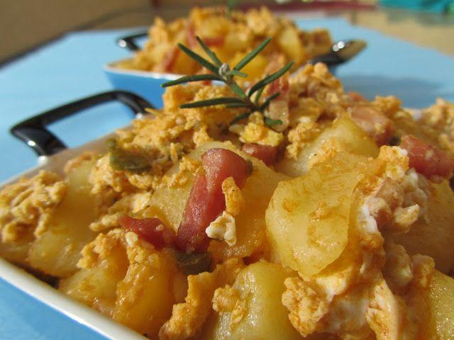 Huevos rotos con patatas