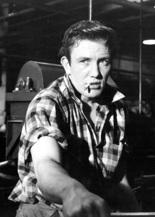 Sixties | Albert Finney as Nottingham's Arthur Seaton in Saturday Night and Sunday Morning, 1960